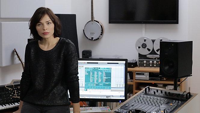 NINA KRAVIZ IN THE STUDIO - eMAG HUGO BOSS