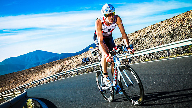 Top 5 Triathlon Tracks Jenson Button - eMAG HUGO BOSS