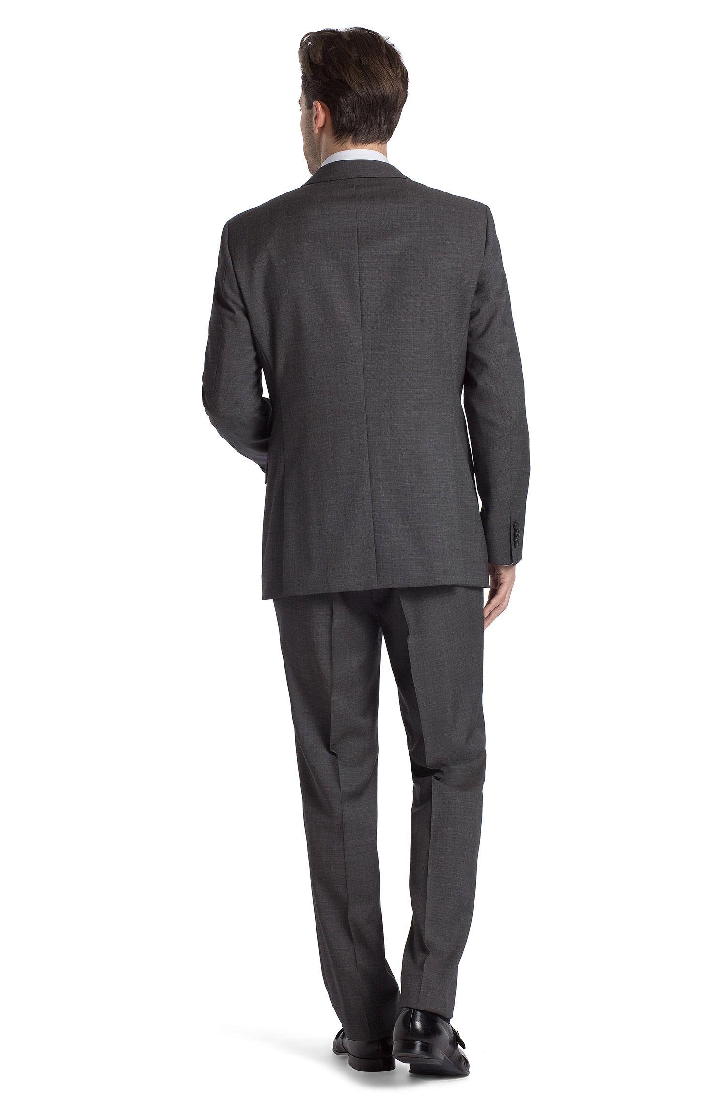 Costume de la ligne Traveller, The Hour/Sharp5