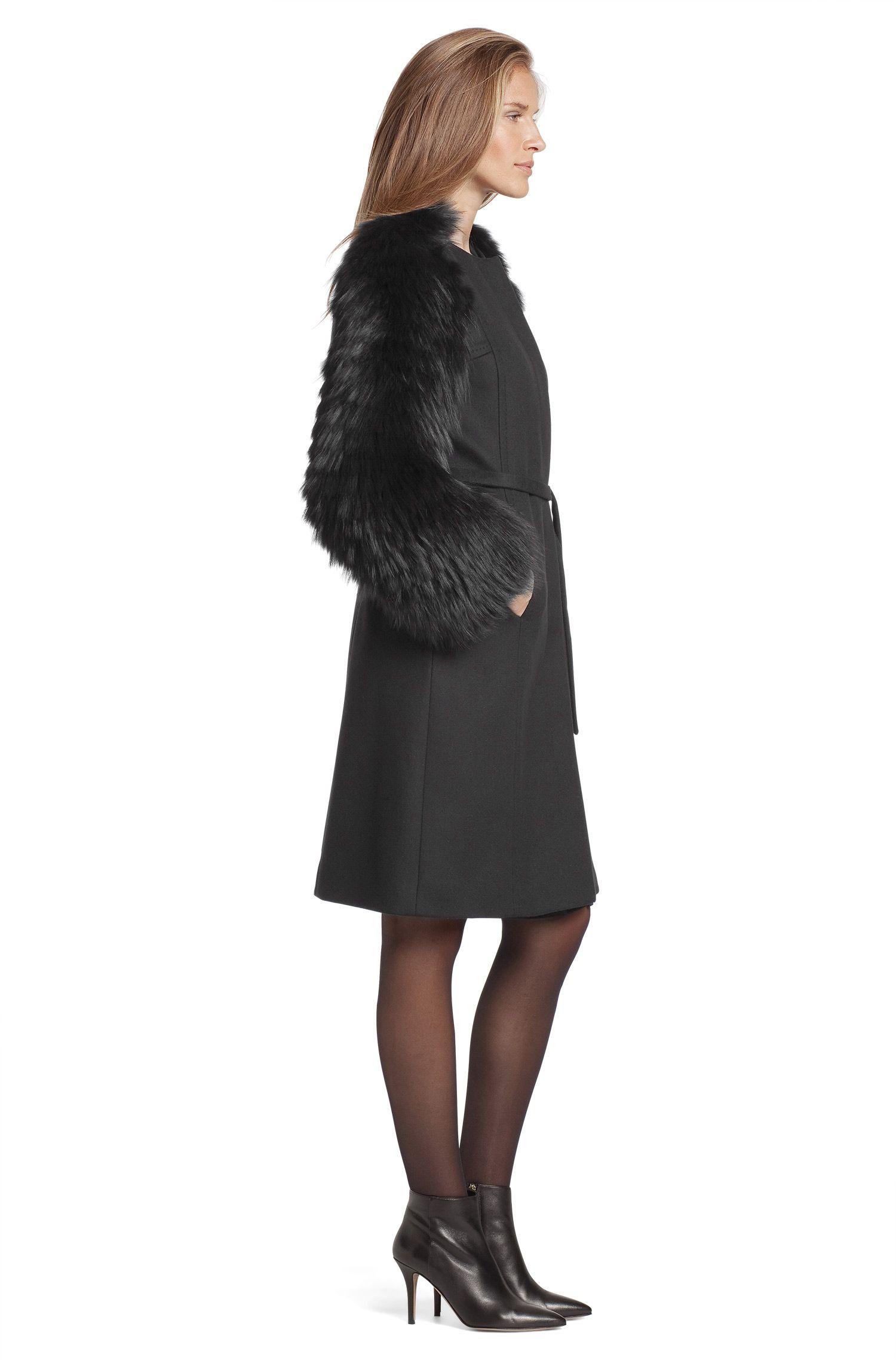 Manteau à manches en fourrure, Cesna
