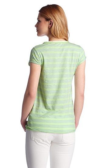 T-Shirt ´Vatty` mit V-Ausschnitt, Hellgrün