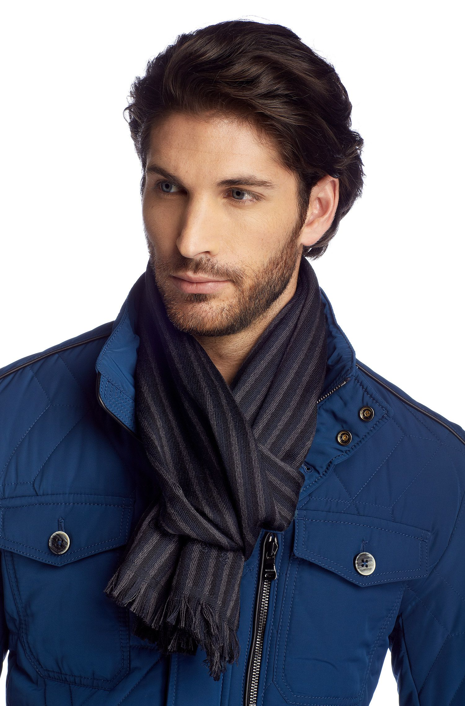 Écharpe en maille de laine, Pevo