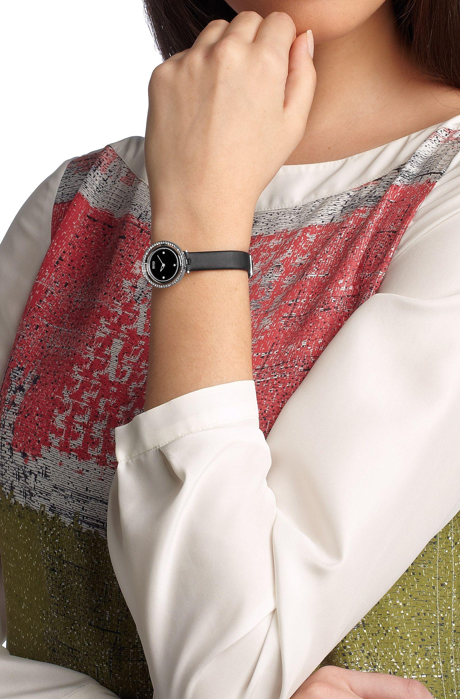 Montre-bracelet«HB4032» avec mouvement à quartz