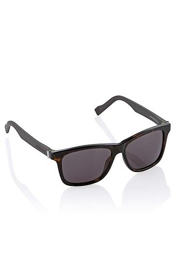 Artikel klicken und genauer betrachten! - 80s Sonnenbrille ´BO 0117/S`Modell: MenMaterial: AcetatFarbe: HavannaLinse: Braun (Verlauf)Bügel: Schmal, mit Logo-PrägungGröße: 54-15-140 mm | im Online Shop kaufen