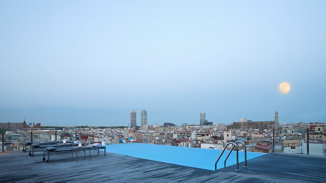 Rooftop bars Barcelona, New York & Sao Paulo - eMAG HUGO BOSS