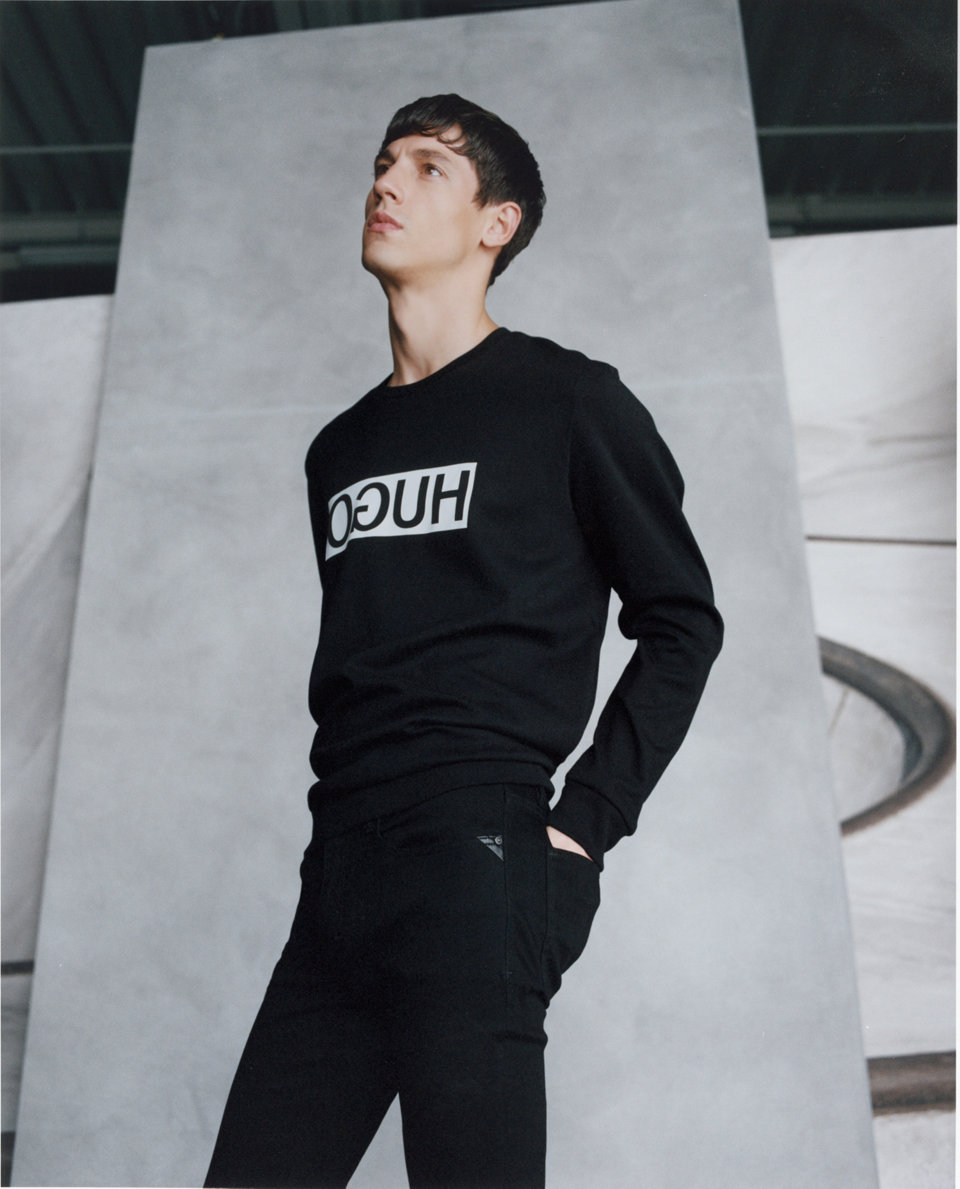 Black sweatshirt and black trousers by HUGO