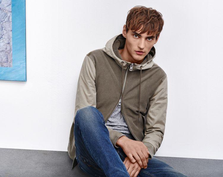 Sweatshirt jacket, t-shirt and jeans by BOSS Orange