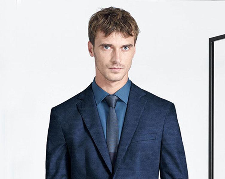 Sakko, Hemd und Krawatte von BOSS