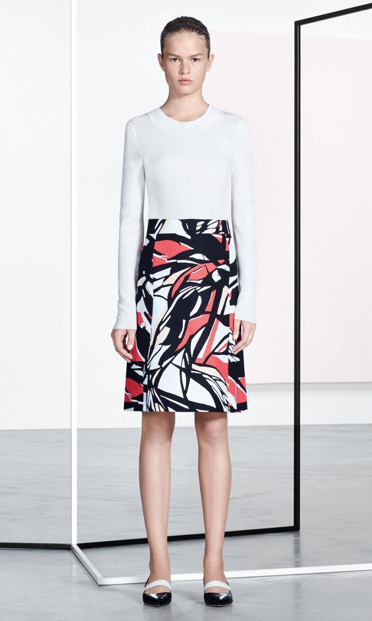 Witte trui en rok met dessin van BOSS