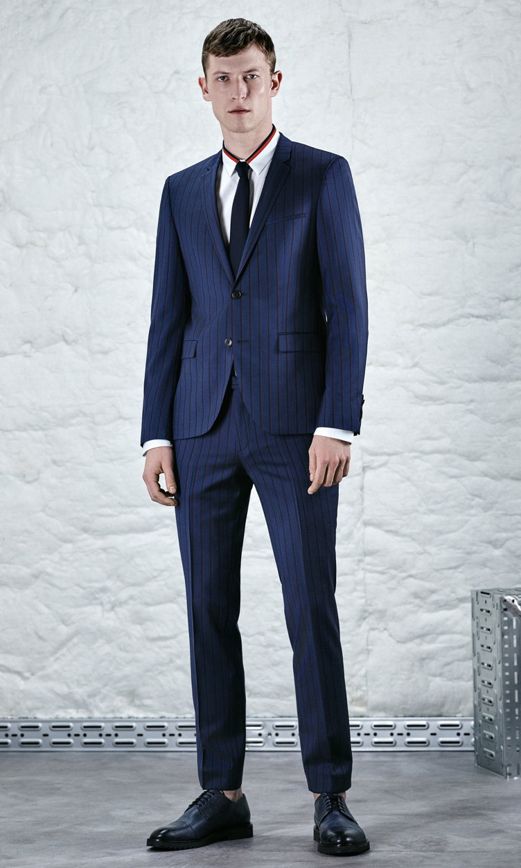 Dark blue suit, open white shirt and shoes by HUGO