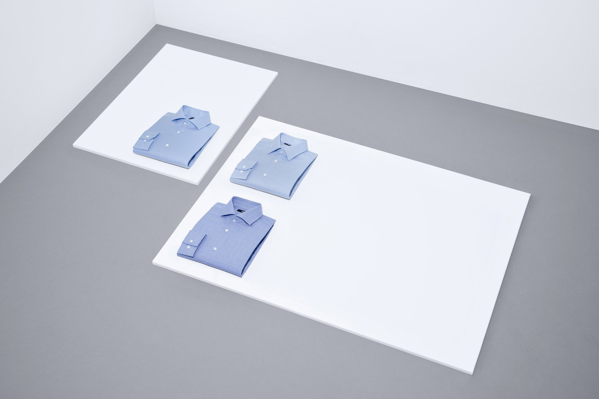 本季,BOSS男装商务系列豪华升级。为您呈现由内至外尽显精英风范的西服套装及各式衬衫