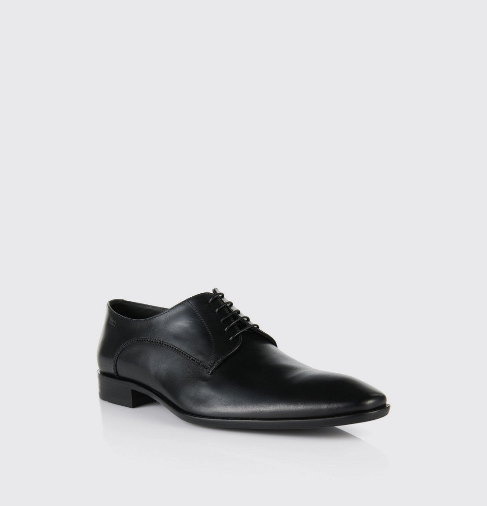 Black varnish shoes by BOSS