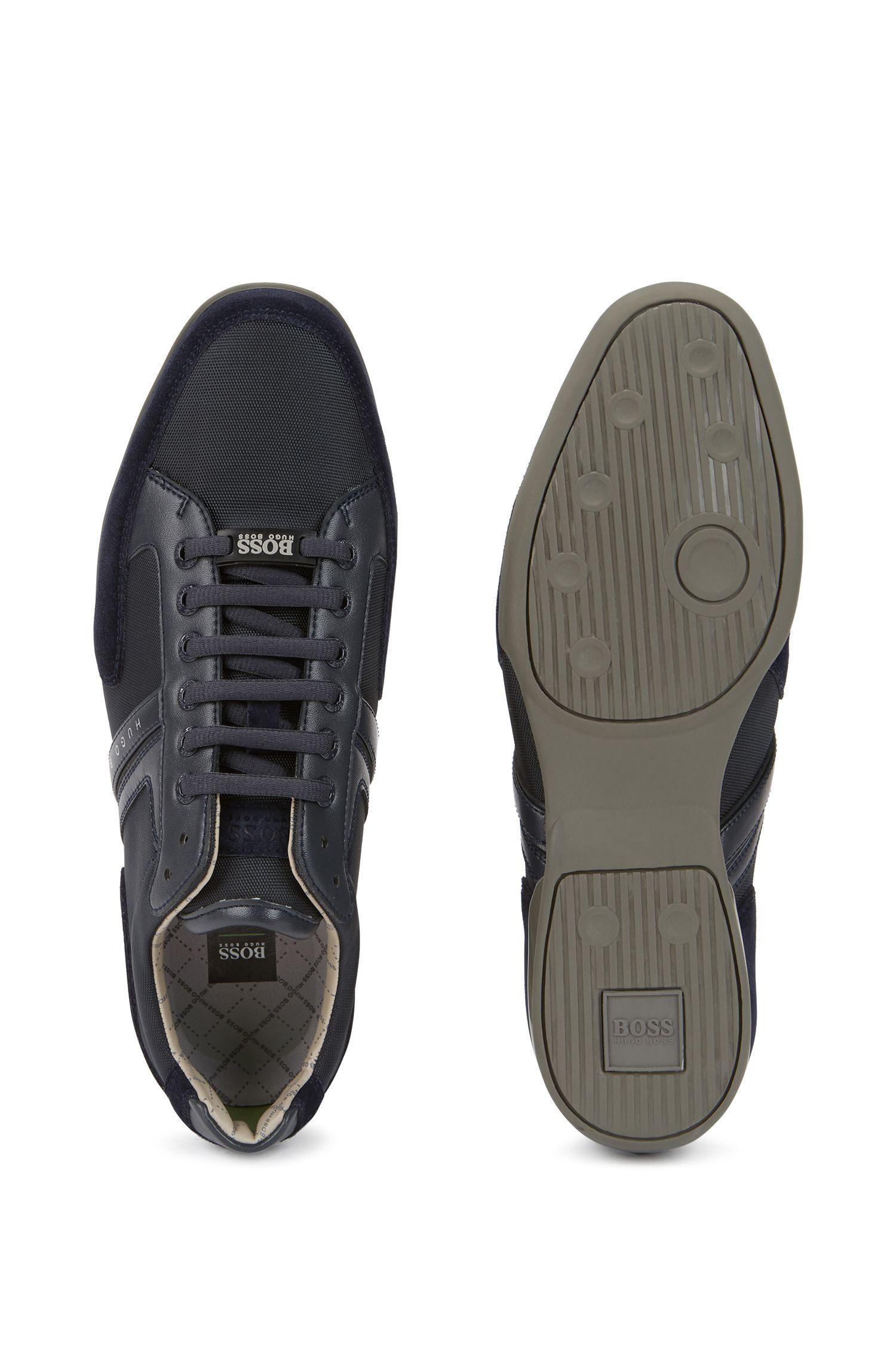 Sneakers van een materiaalmix met leren garneersel: 'Spacit'