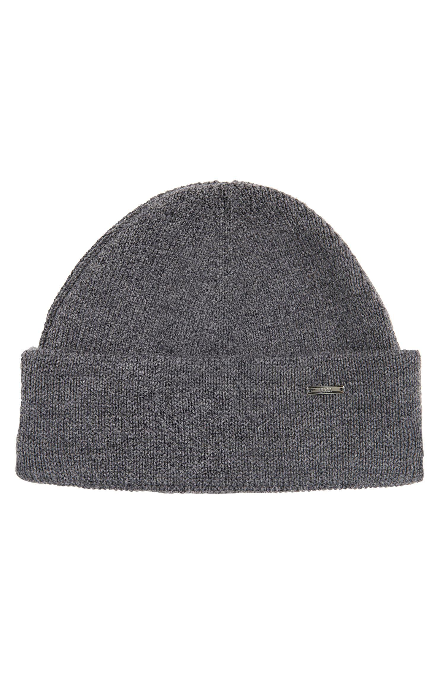 Hat in pure new wool: 'Xiann'
