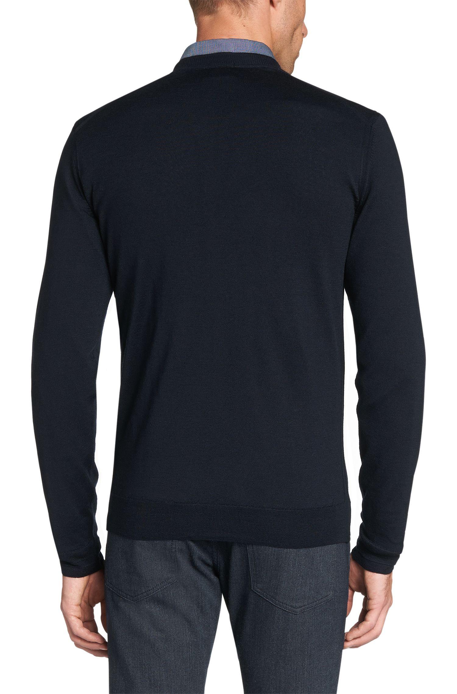 Slim-fit fijngebreide trui van scheerwol met zijdecomponenten: 'T-Dan'