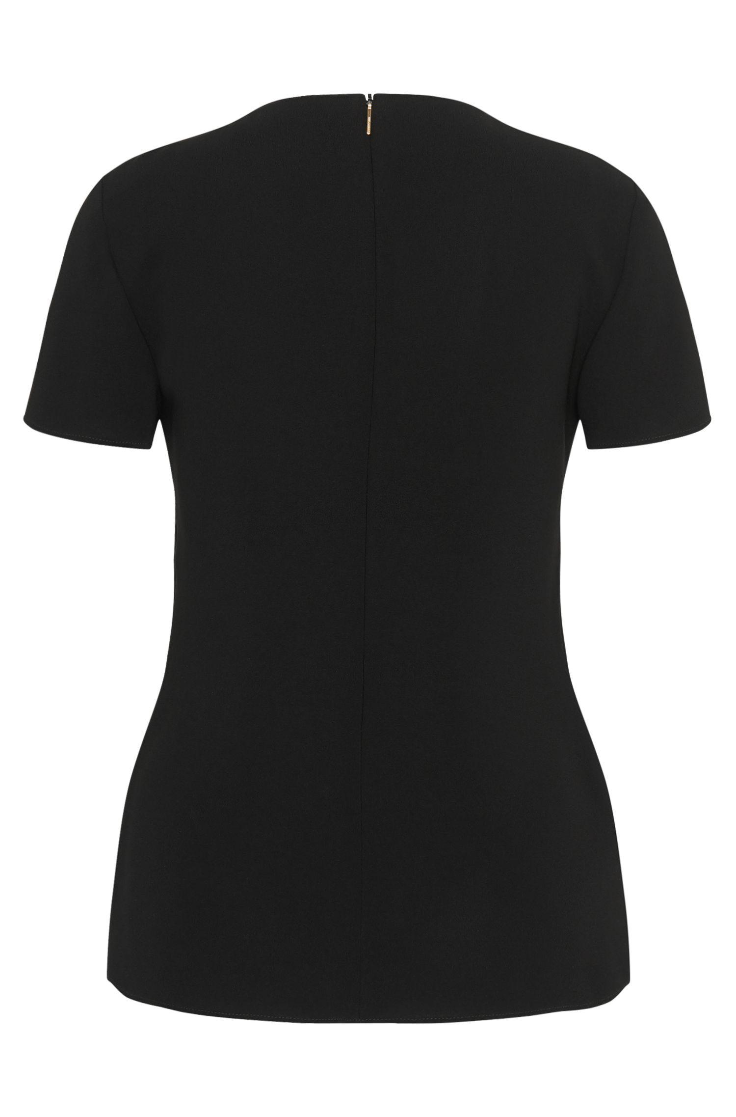 Haut à manches courtes mettant la silhouette en valeur, en mélange de matières: «Ilyna»