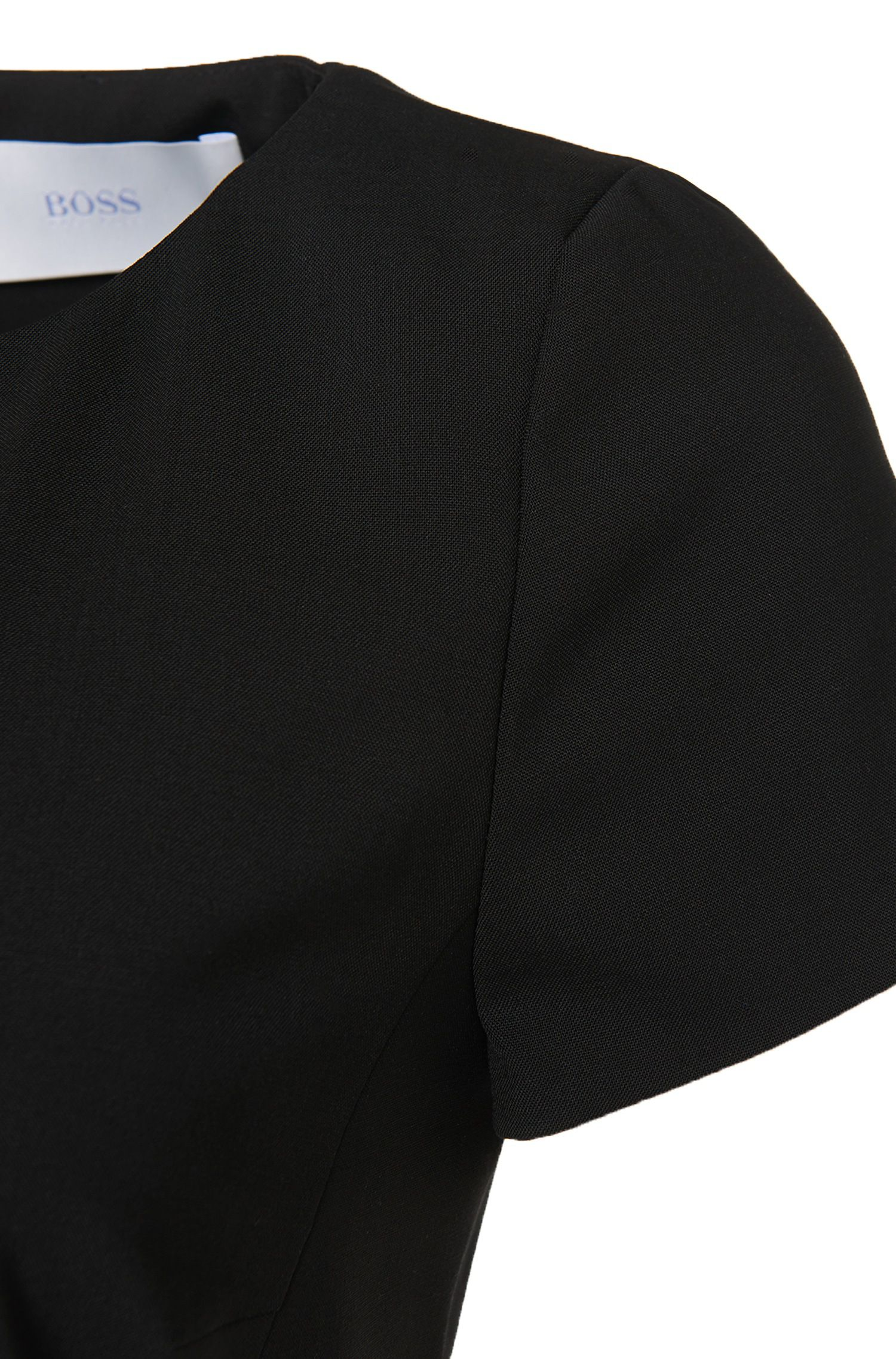 Etui-jurk met korte mouwen van een scheerwolmix: 'Dilya'
