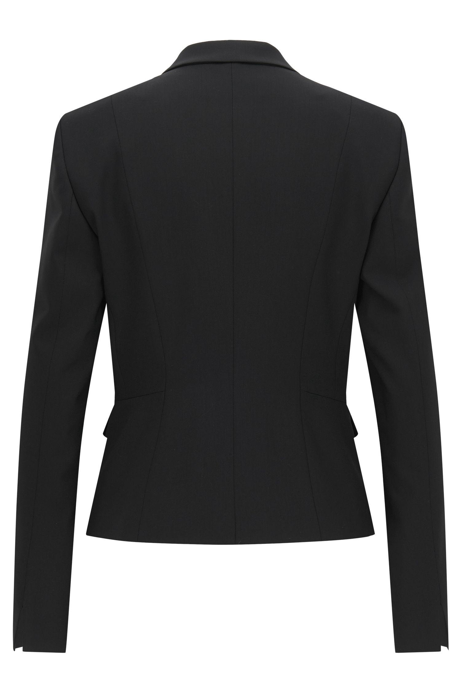 Getailleerde, korte blazer van elastische scheerwol: 'Jaru'