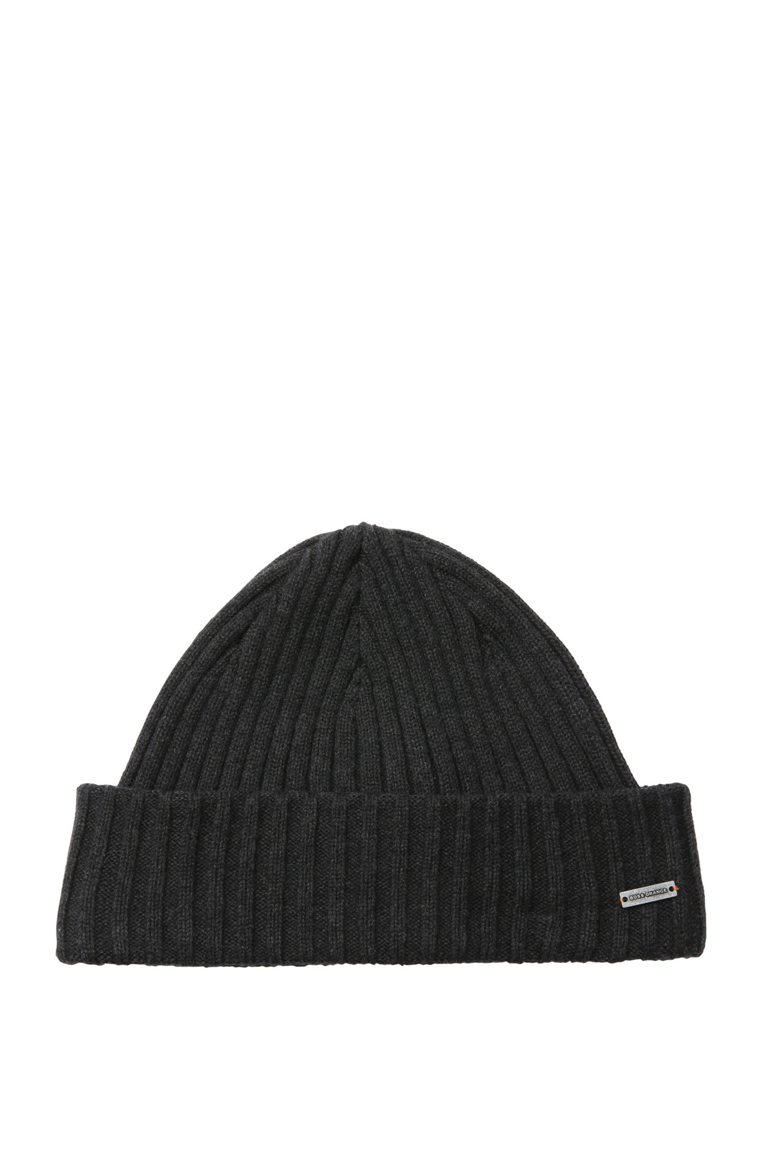 'Araffon' Hat in ribbed knit