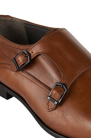 chaussures double boucle en cuir c dresmo. Black Bedroom Furniture Sets. Home Design Ideas