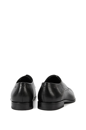 Lace-up shoes in smooth leather: 'C-Dresios', Black