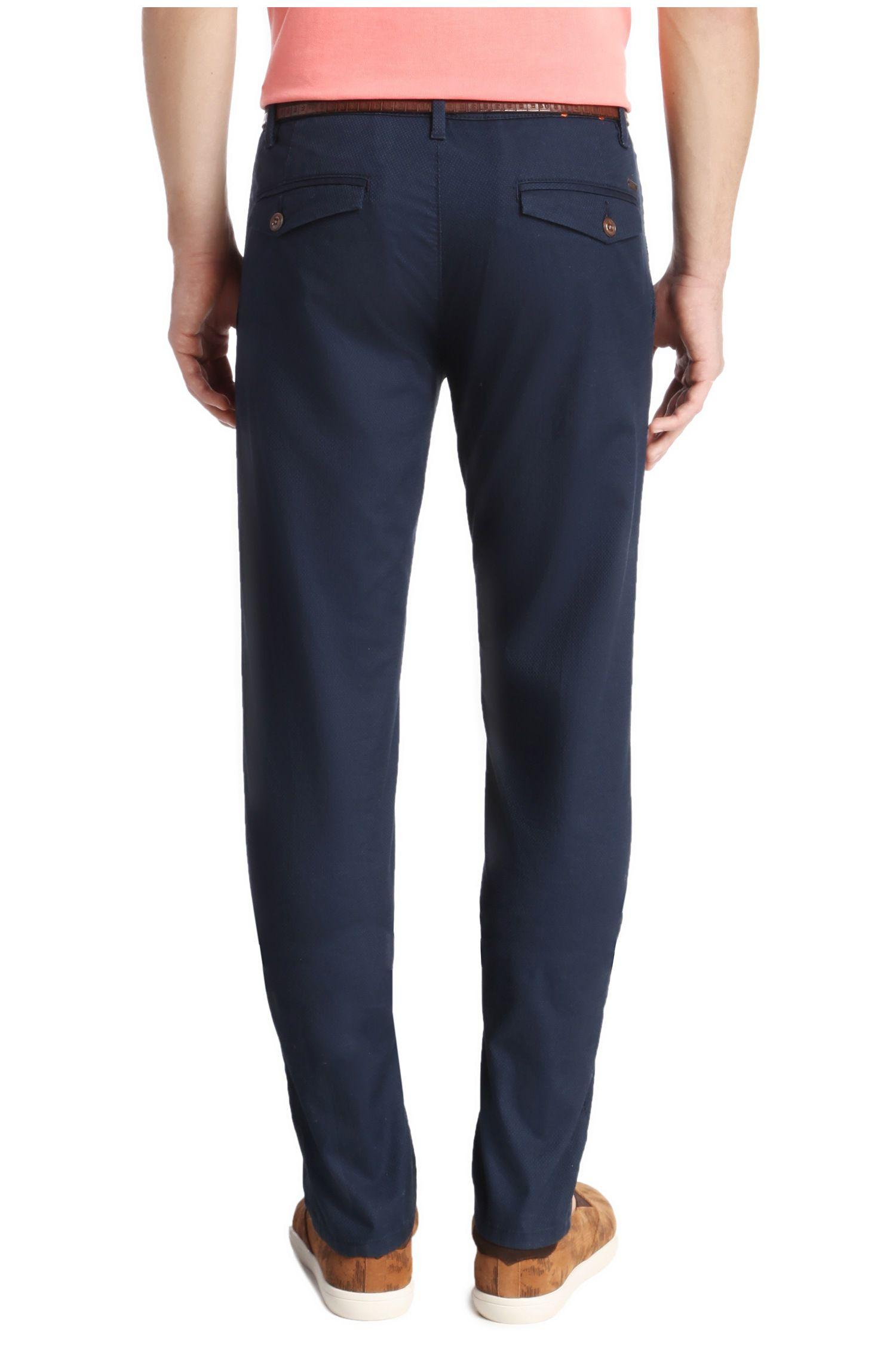 Slim-Fit Chino aus texturierter Stretch-Baumwolle: ´Sairy8-W`