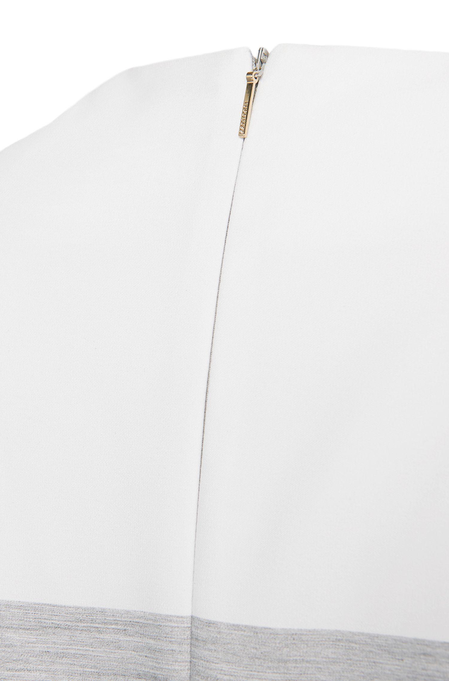 Robe en mélange de matières extensibles, avec de la viscose: «Hinawa»