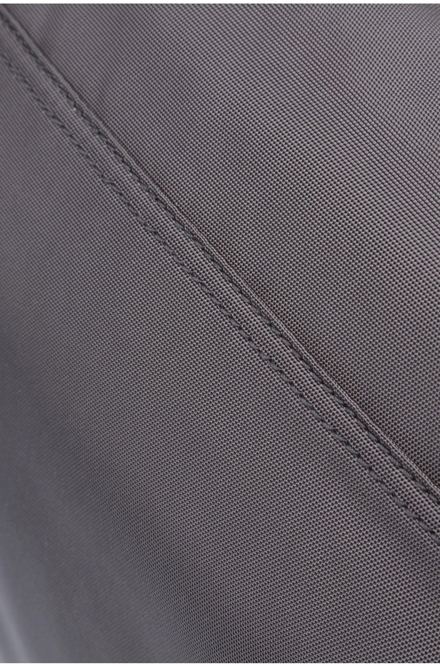 Messenger bag van een nylonmix: 'Pixel_Mess flap'