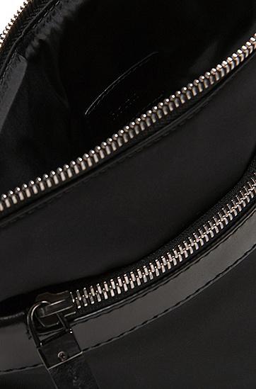 Umhängetasche mit Leder-Details: 'Digital L_S zip env', Schwarz