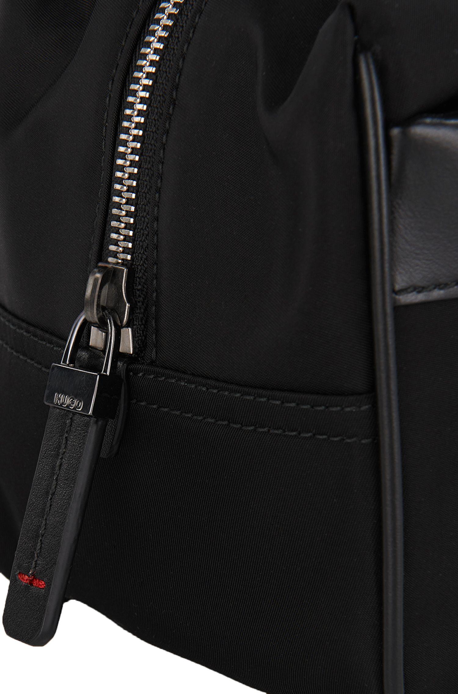 Kulturtasche aus Material-Mix mit Lederbesatz: 'Digital L_Washbag'