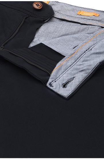 Tapered-Fit Chino aus elastischer Baumwolle in Overdyed-Optik: ´Schino-Tapered-D`, Dunkelblau