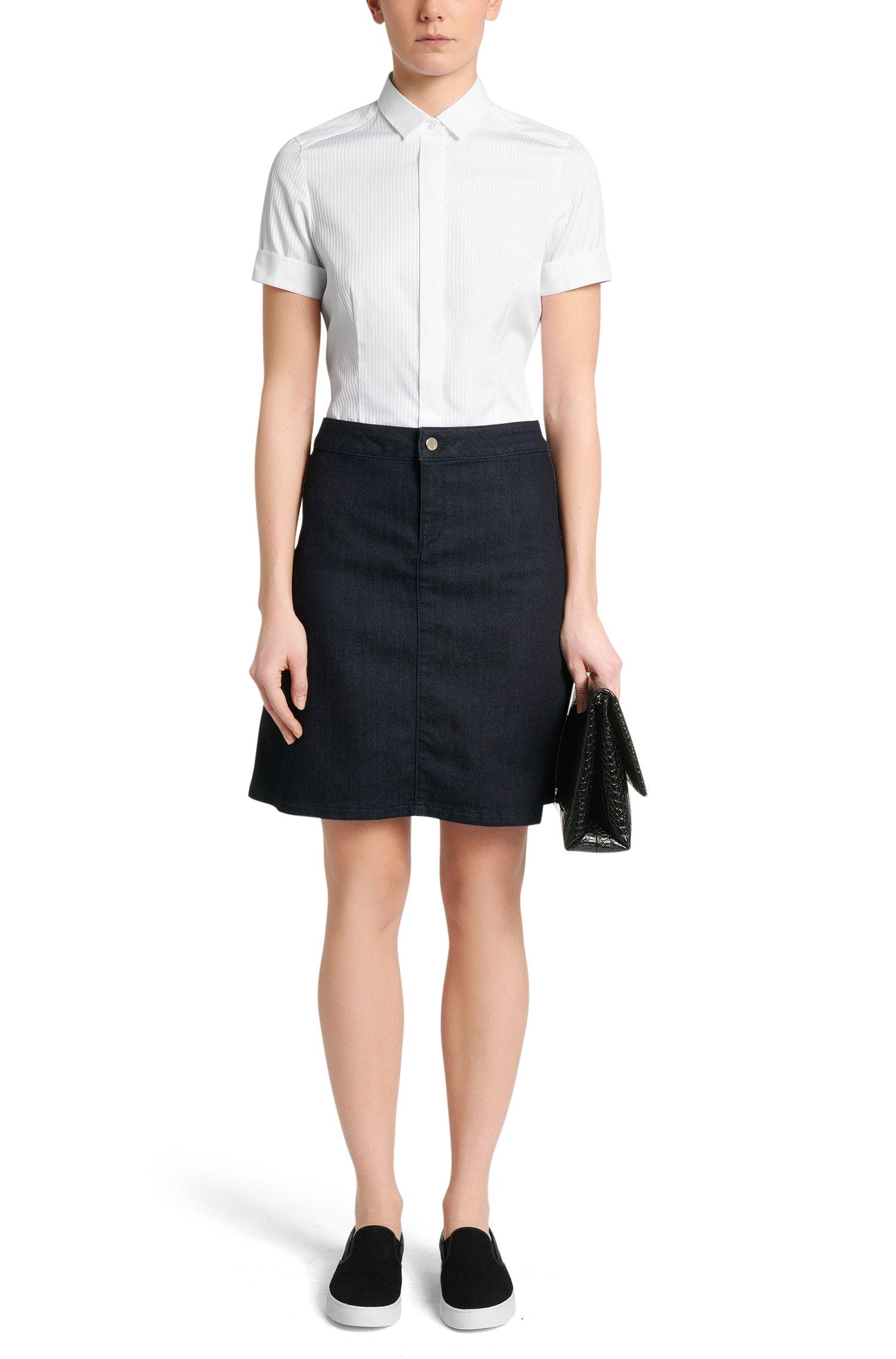 Slim-Fit Bluse aus Stretch-Baumwolle mit verdeckter Knopfleiste: 'Bilida'