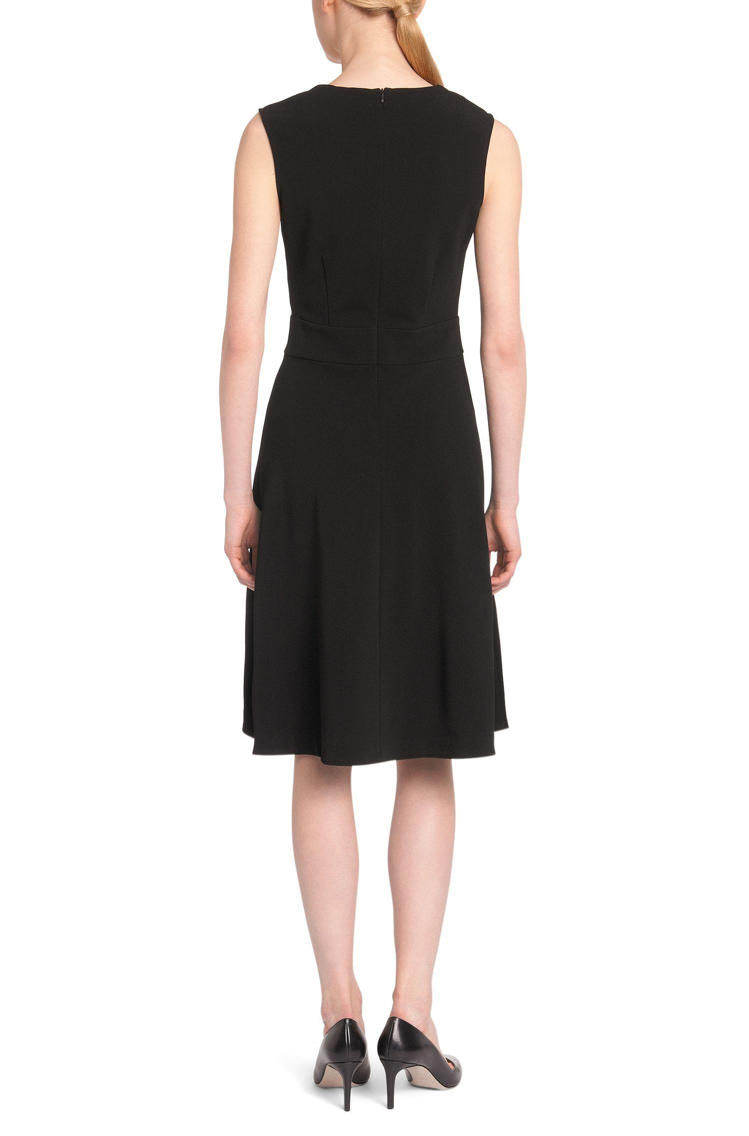 Kleid mit Karree-Ausschnitt: 'Nelique'