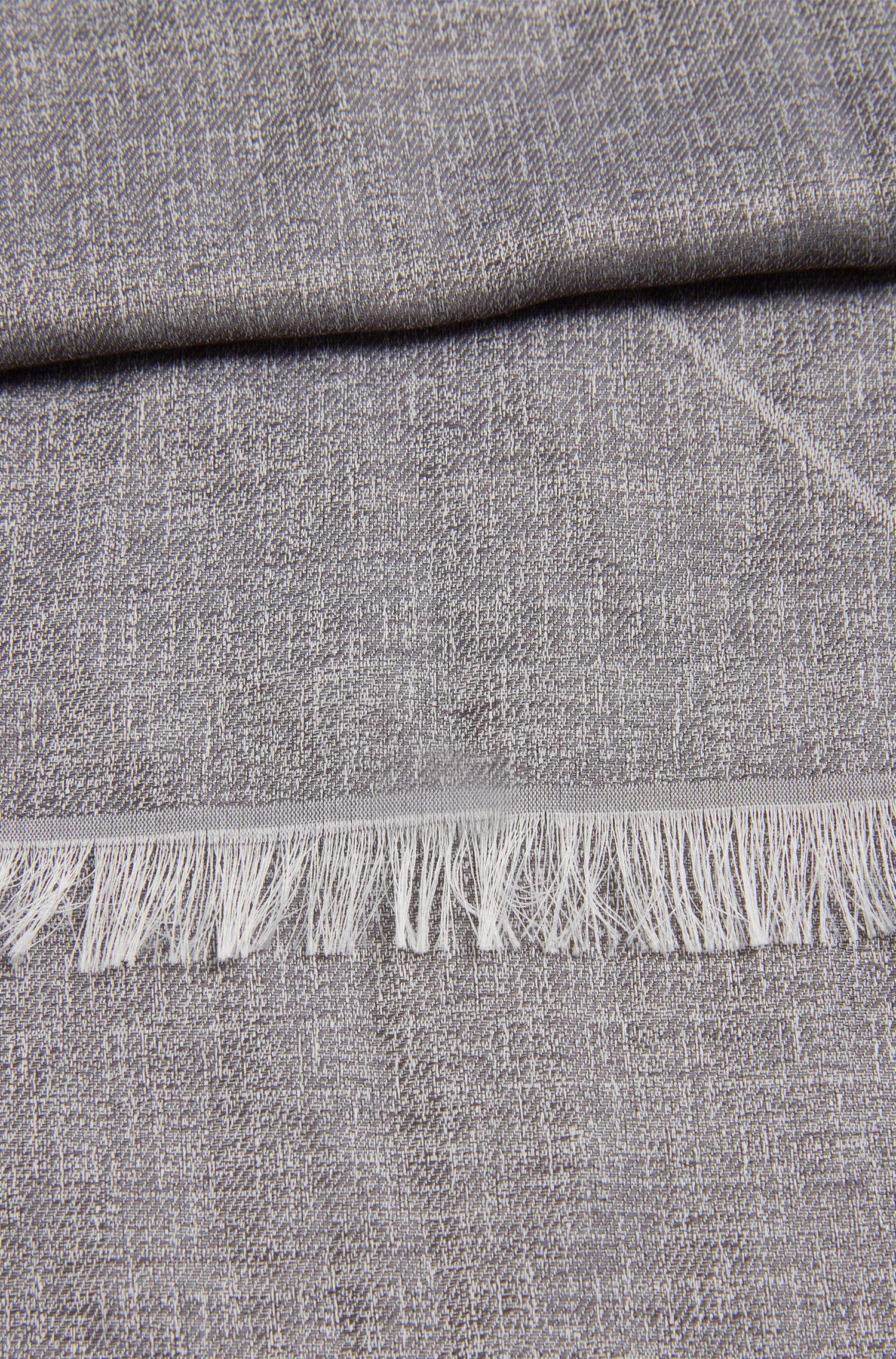 Subtiel gestructureerde sjaal van een viscosemix: 'Calight'