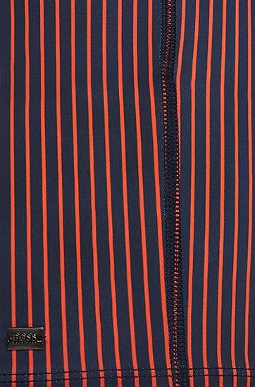 Kurz geschnittene, gestreifte Badehose aus elastischem Material-Mix: 'Barb', Rot