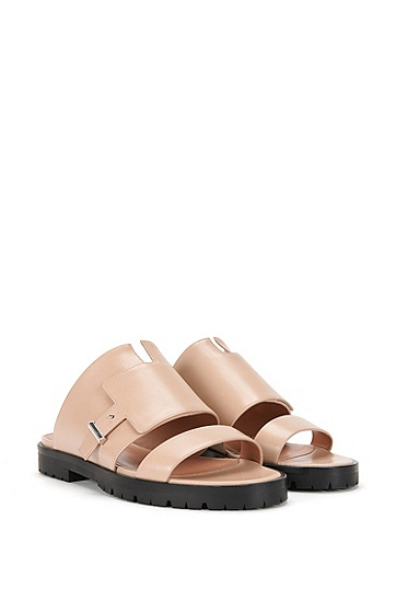 Runway Edition BOSS Bespoke flat leather sandals , Light Beige