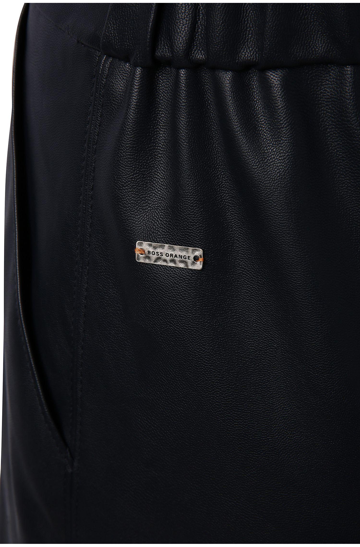 Comfort-Fit Shorts in Lederoptik: ´Salony`