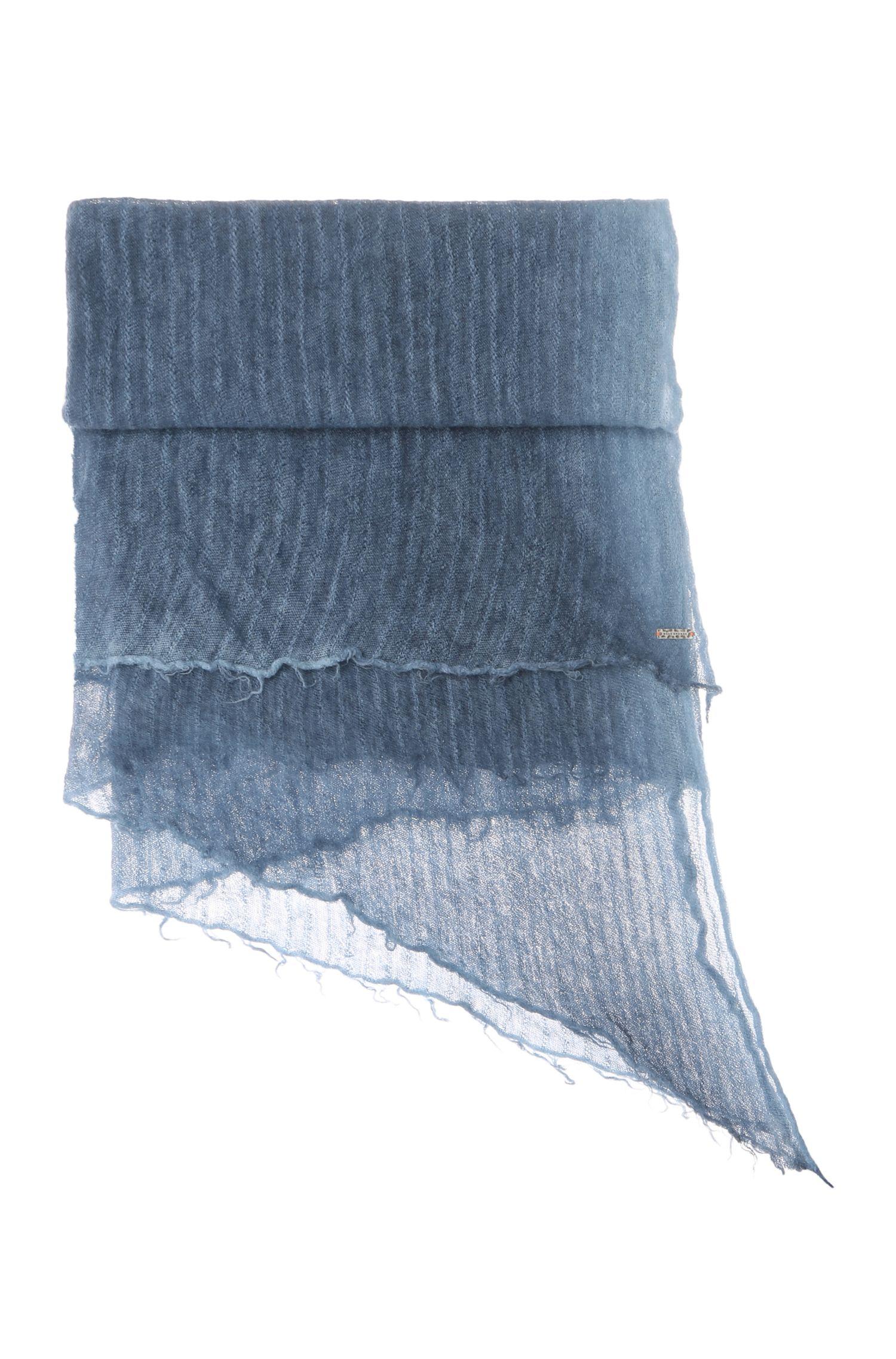 Sjaal van een wolmix in ponchostijl: 'Namori'