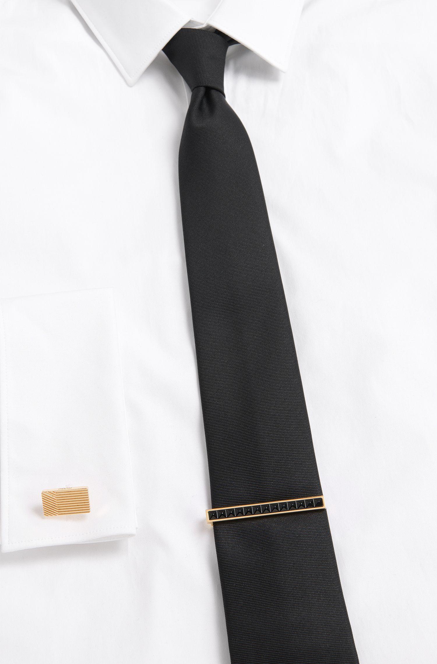 Krawattennadel mit Nietenbesatz: 'E-PYRAMIDEN-TIEBAR'