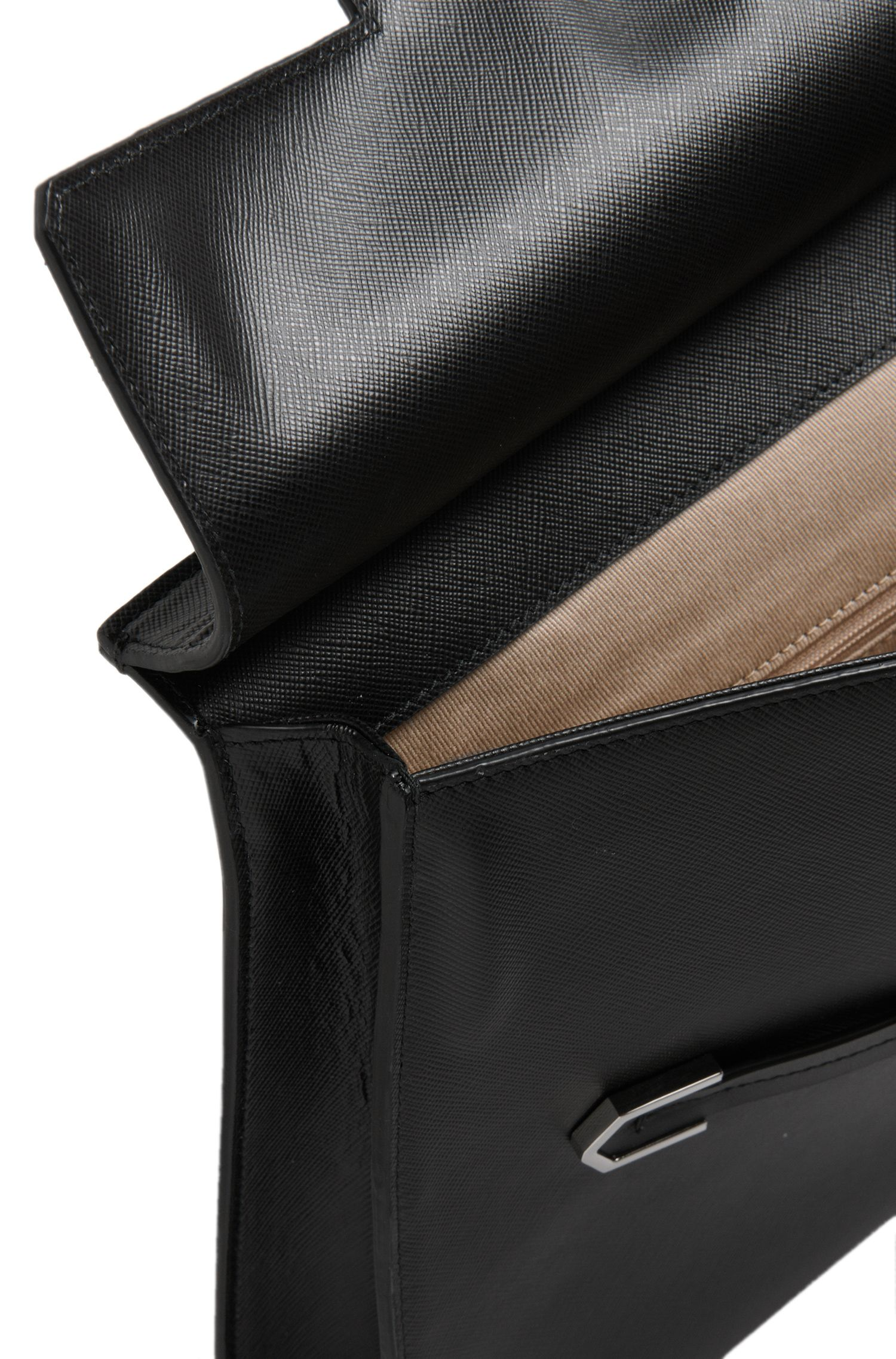 Großformatige Clutch aus geprägtem Leder: 'Nissa'
