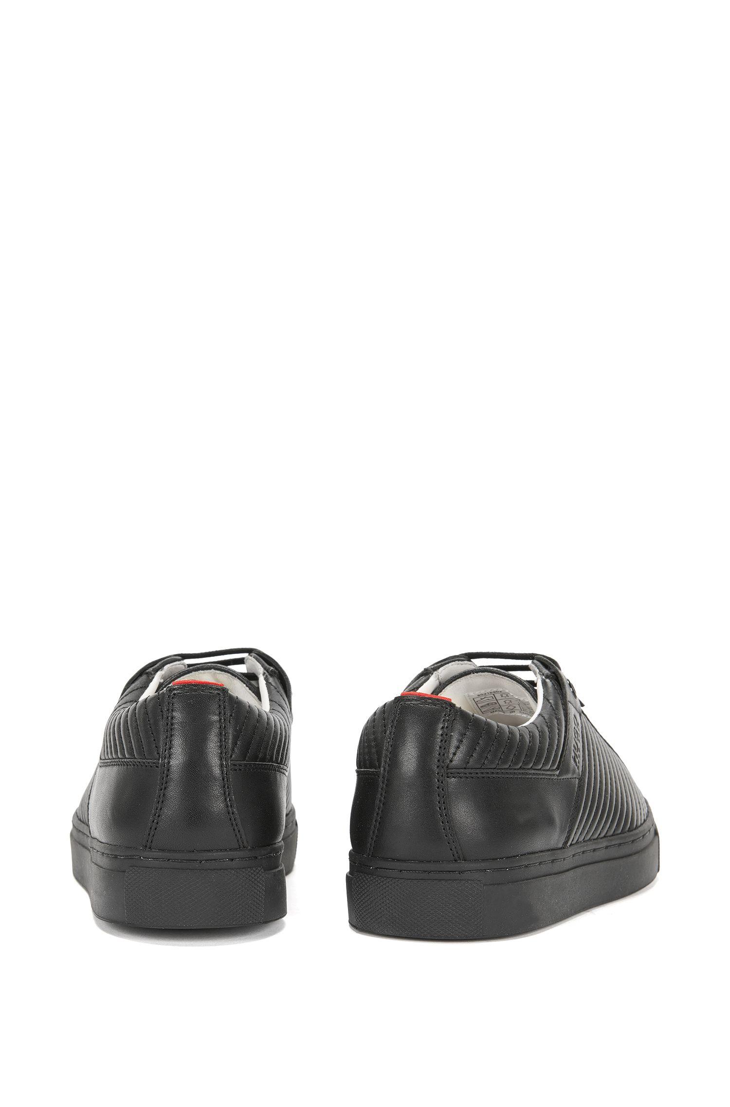 Baskets en cuir ornées de surpiqûres: «Corynna-M»