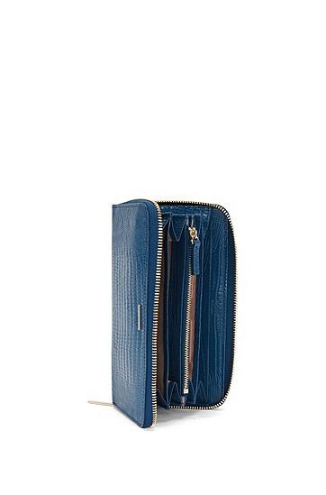 Leder-Geldbörse im Kontinentalformat: 'Staple Ziparound-L', Hellblau