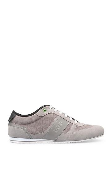Artikel klicken und genauer betrachten! - Die BOSS Green Herren-Sneakers vereinen texturierten Jersey und Veloursleder-Qualität. Für einen besonders hohen Tragekomfort sorgen die EVA-Gummisohle und das Fleece-Innenfutter. Ob zu Denim oder Shorts, die Schuhe verleihen Freizeit-Outfits eine lässig-dynamische Note. | im Online Shop kaufen