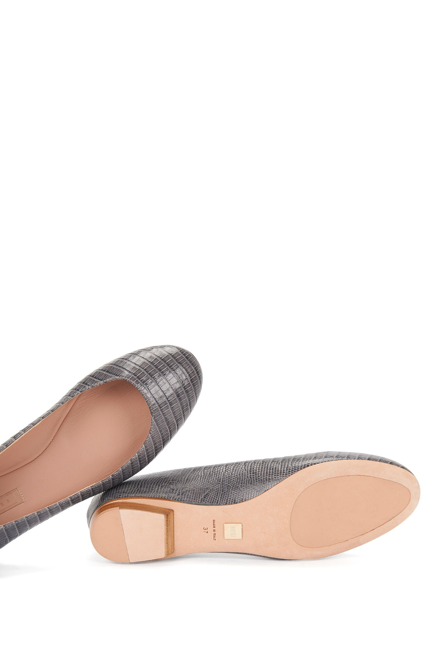 Chaussures plates en cuir gravé: «Staple Ballerina-L»