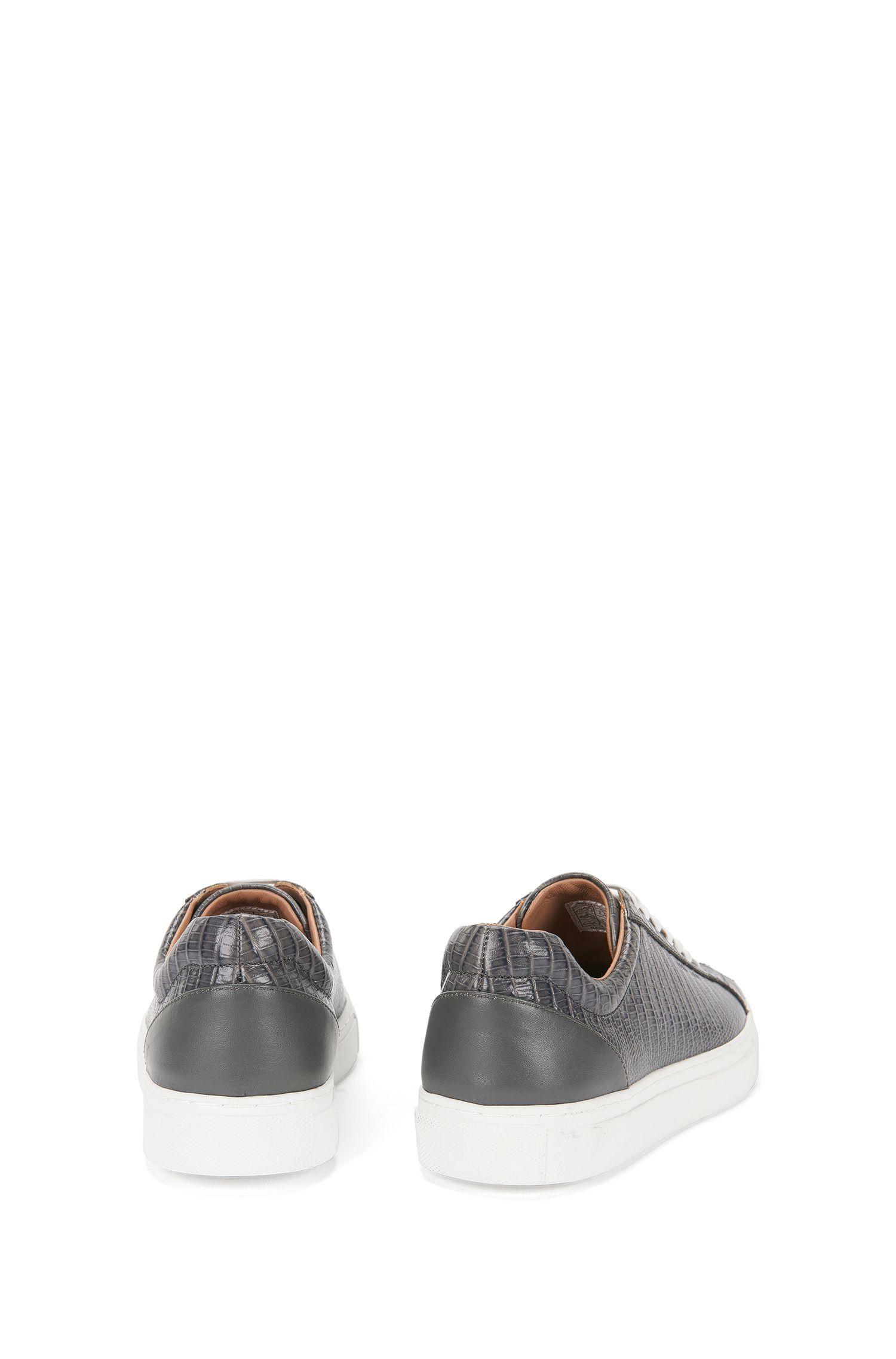 Sneakers aus geprägtem Leder mit Plateausohle: 'Low Cut-L'