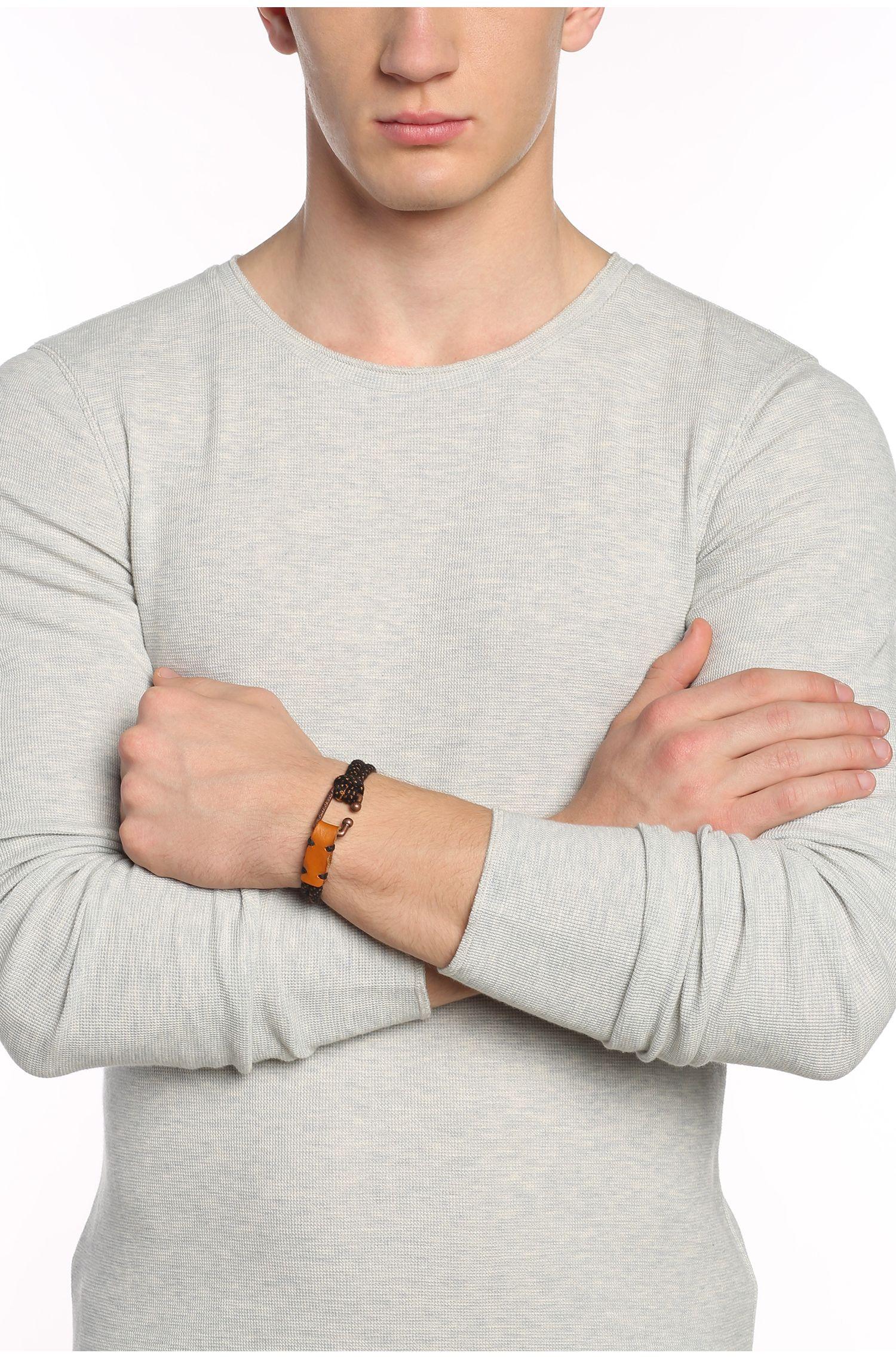 Armband van twee koorden met dessin: 'Mendrix2'