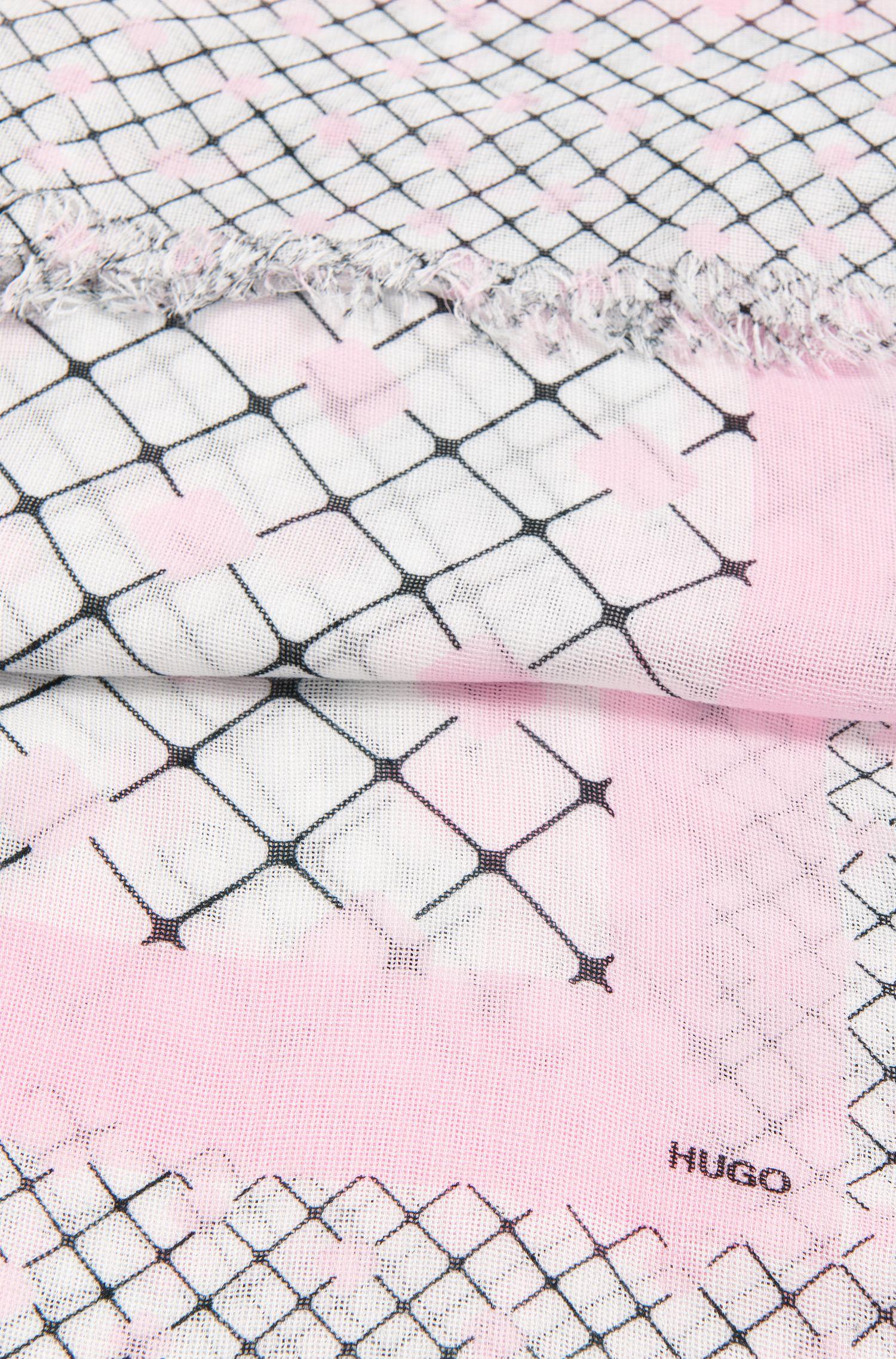 Pochette carrée à franges confectionnées dans le même tissu: «Women-Z 515»