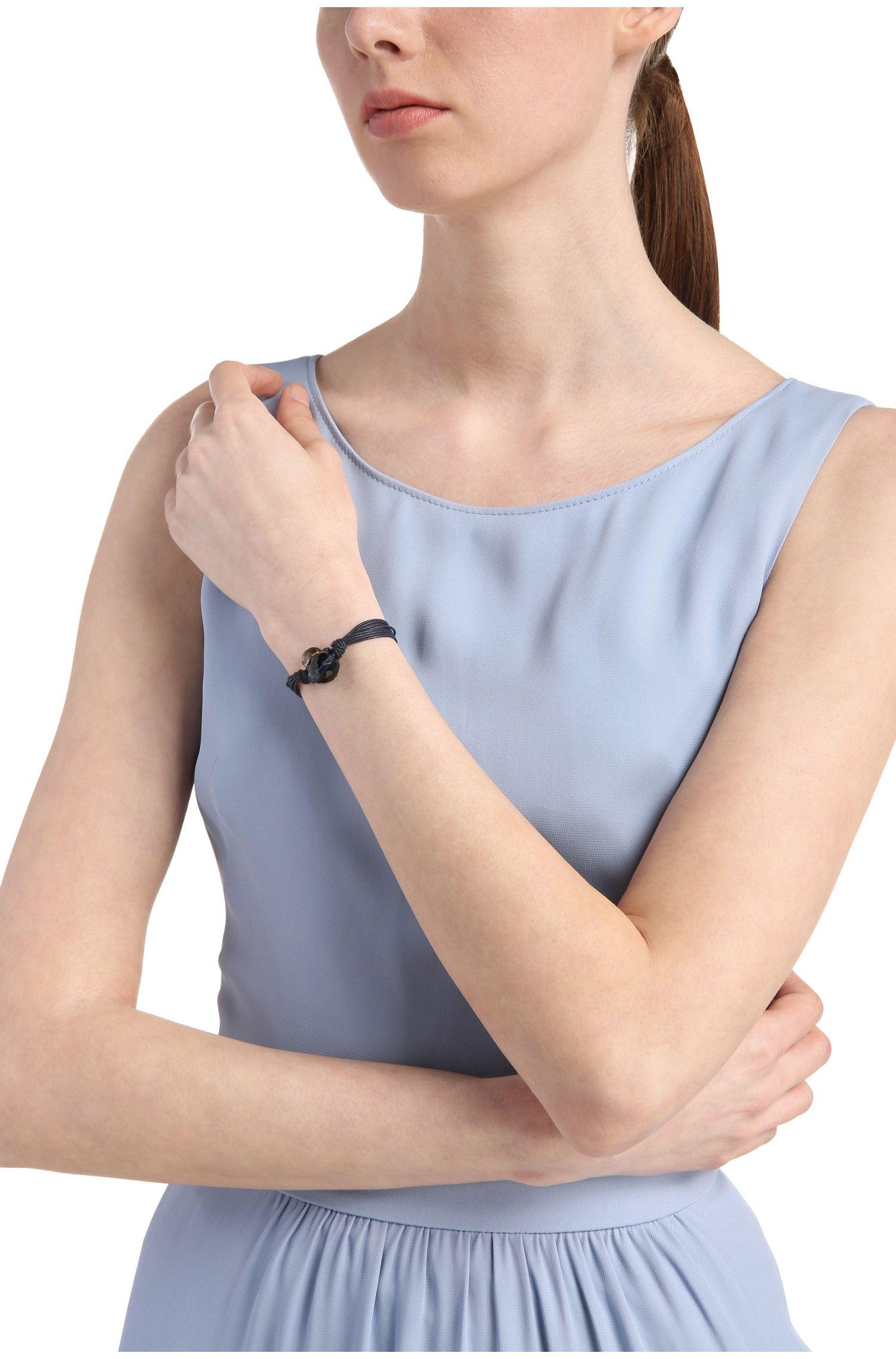 Bracelet à plusieurs rangs orné de grosses perles ornementales: «Morgan»