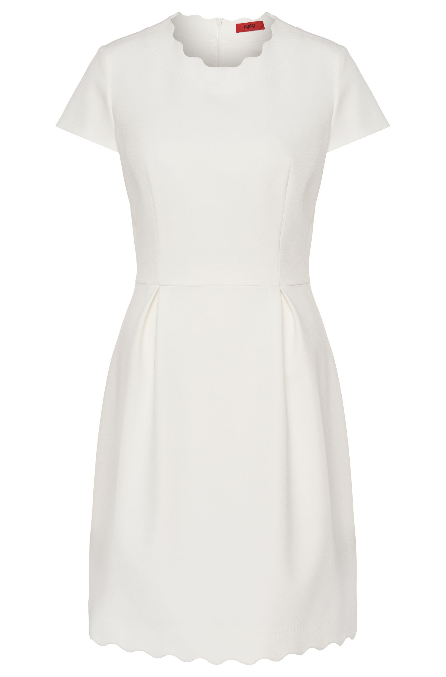 Short-sleeved dress in a plain fabric blend with box pleats: 'Kuniza'