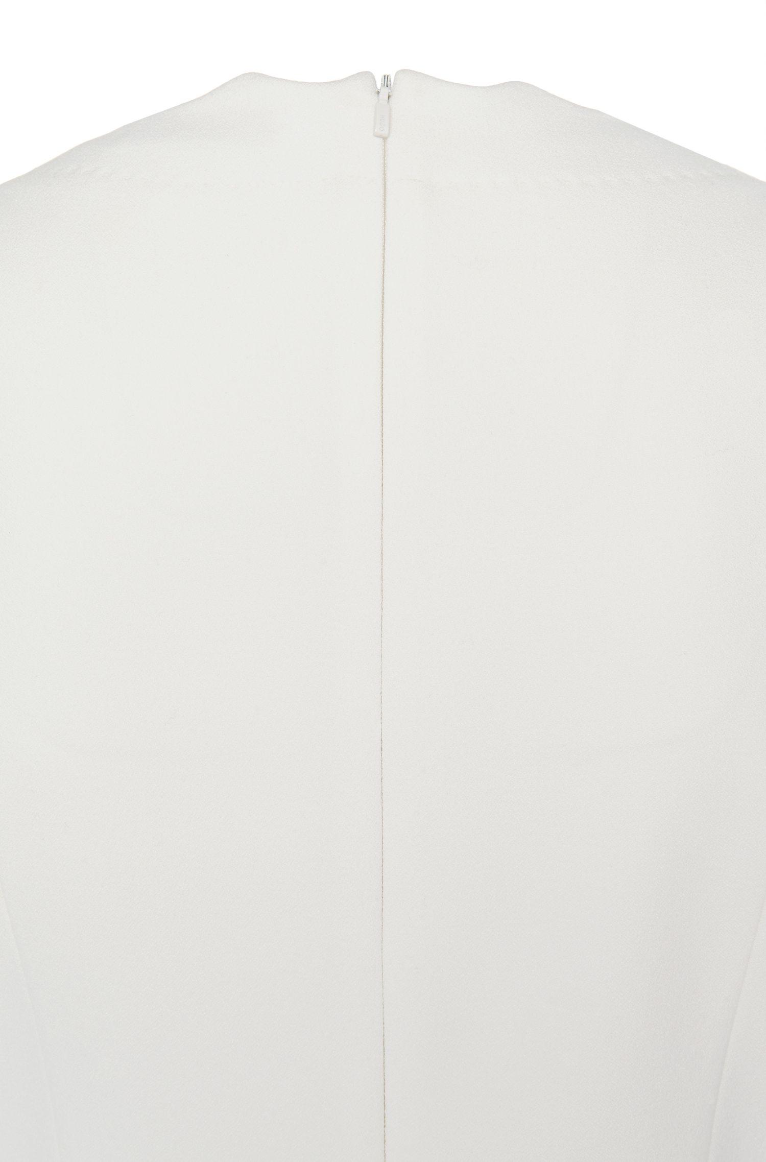 Robe à manches courtes en mélange de matières uni, à plis creux: «Kuniza»